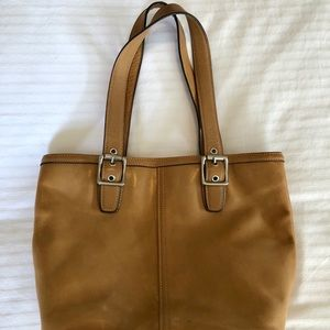 COACH Hamptons Tote Tan Leather M053-9572